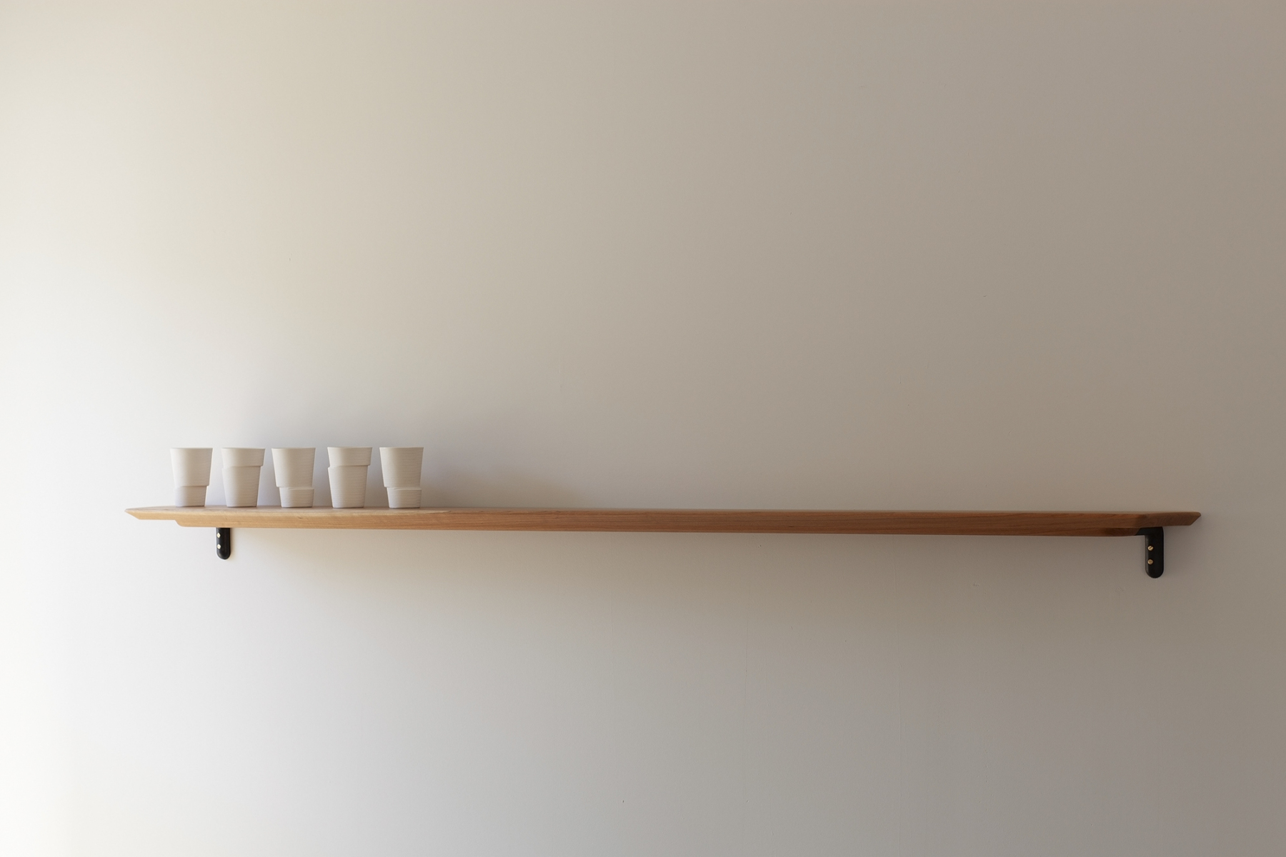Long Shelf with cups